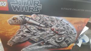 75192 Millennium Falcon 001
